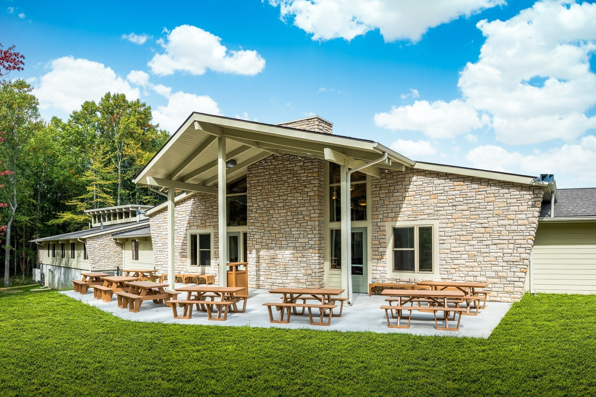 Camp Swoneky Family Housing Lodge Amp Pool Case Studies